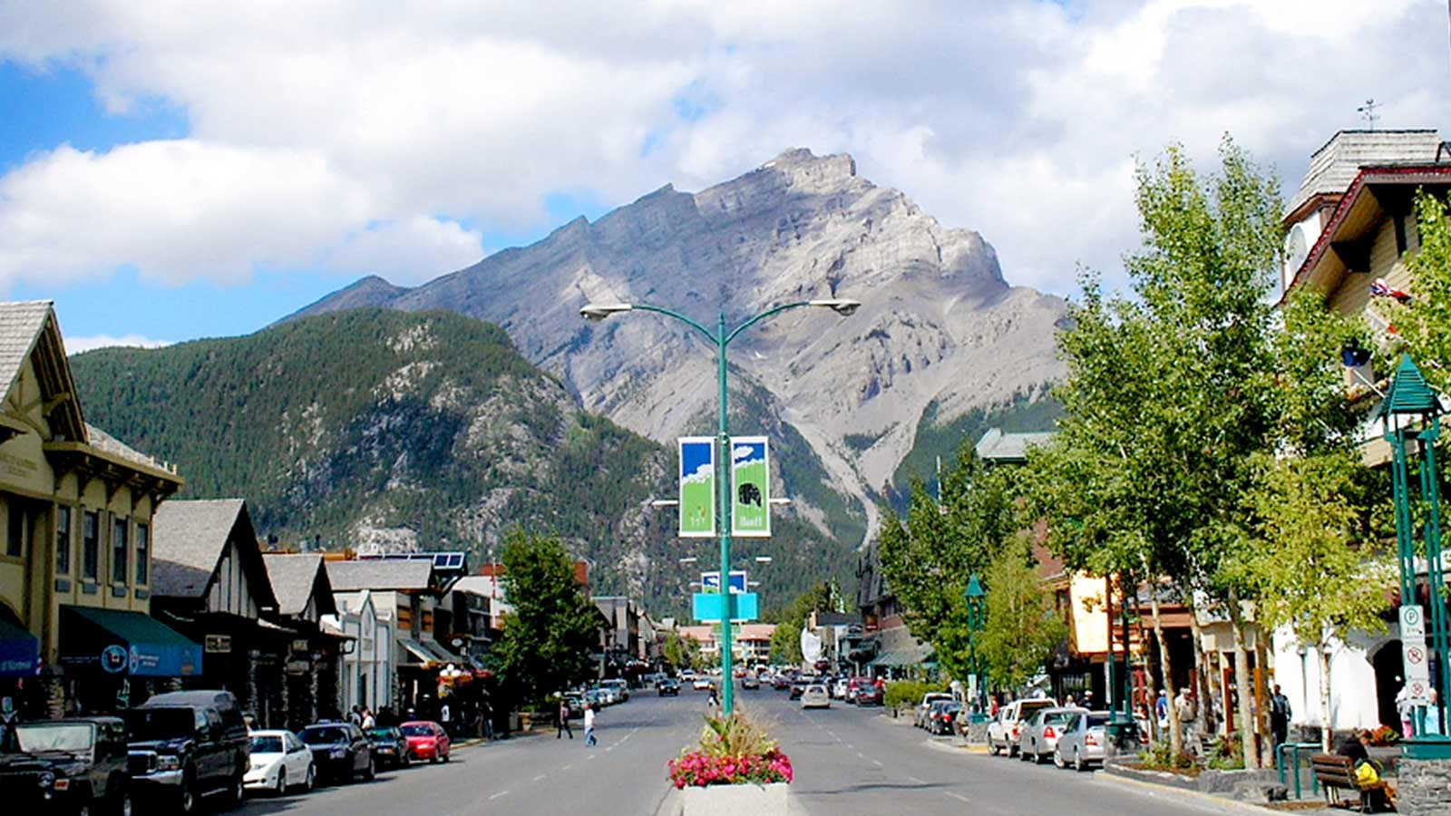 Banff Avenue with Cascade Mountain in the back
